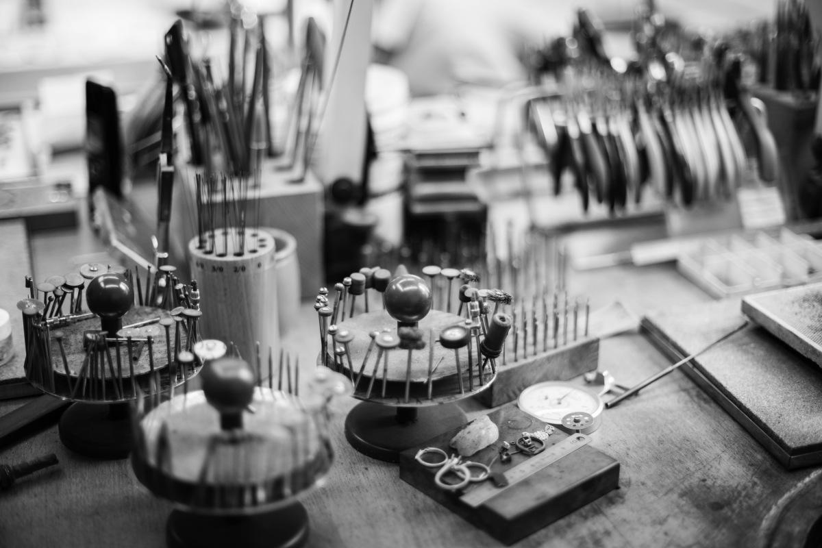 La création d'un bijou nécessite des dizaines d'interventions différentes, avec pour chacune, un outil dédié.